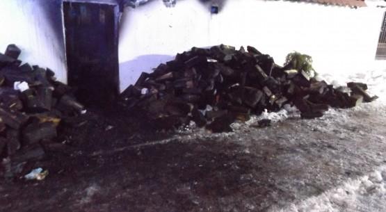 Pożar wiaty gospodarczej w Bilczy (1)