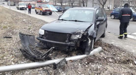 Zderzenie-dwóch-aut-na-ulicy-Ceramicznej-w-Końskich-05-1024x576