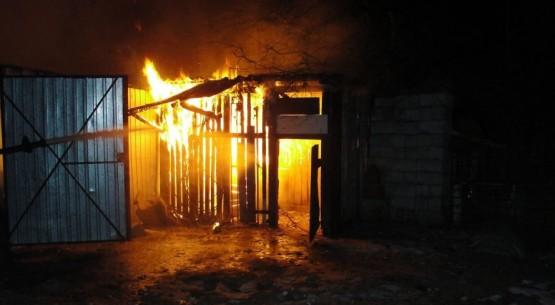 Pożar samochodu, Staszów (3)