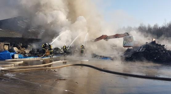 Pożar zakłau recyklingu, Micigózd (5)