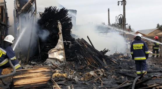 Pożar tartaku w Wąchocku 01