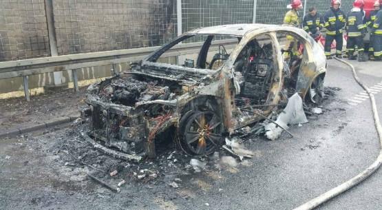 Spalony lexus na S7