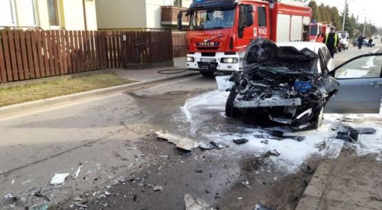 Zderzenie auta z autobusem w Starachowicach (1)