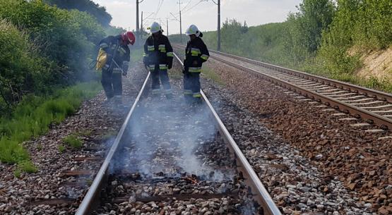 Palące się podkłady kolejowe, Sandomierz (4)