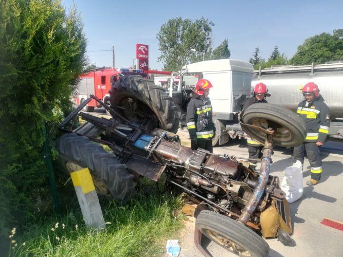 Zderzenie ciągnika z ciężarówką, Pińczów (1)