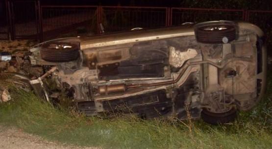 Auto uderzyło w przepust, Busko (2)
