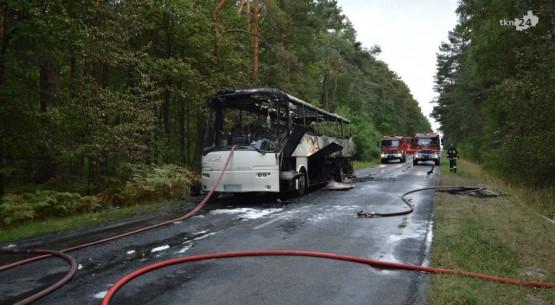 Pożar-autobusu-na-trasie-Sielpia-Barak-09-1024x576