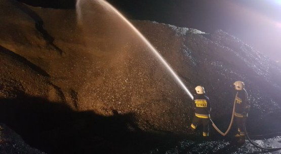 Pożar hałdy węgla (2)