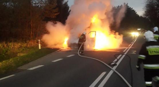 Pożar dostawczaka, Ożarów (2)