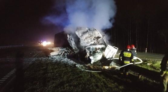 Pożar ciężarówki na obwodnicy Kielc (1)