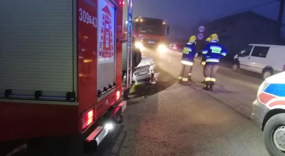 Zderzenie forda z fiatem, OSP Ćmińsk (1)