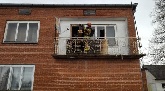 Pożar budynku, gm. Ożarów (1)
