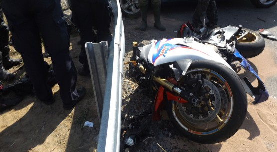 Wypadek samochodu z motocyklem zdjęcie 3
