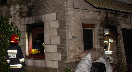 Pożar-budynku-gospodarczego-w-Pląskowicach-w-gminie-Fałków-3