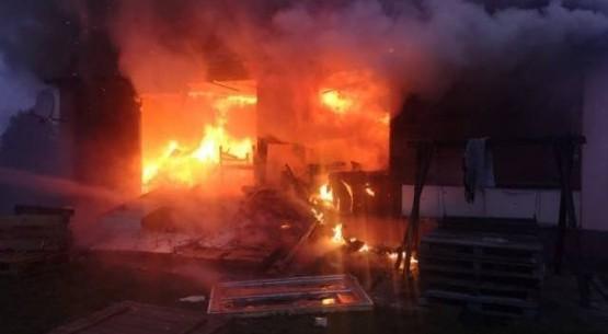 Pożar domu w Bodzechowie (1)