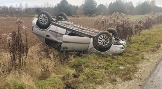 Wypadek-na-drodze-Radoszyce-Jacentów-03-1024x485